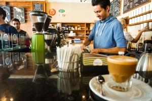 Amavida Coffee, Brewing Specialty Coffee