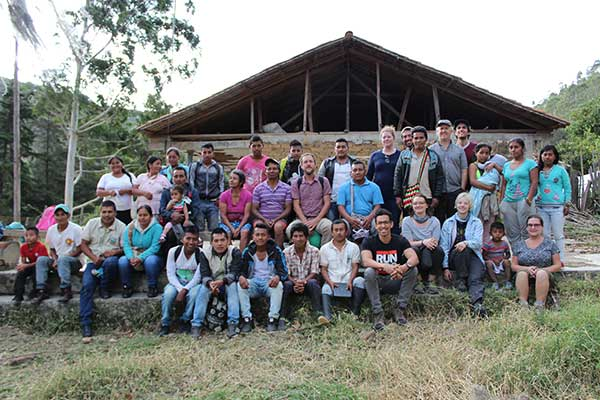 Members of the fair trade coffee cooperative Fondo Paez gathered together.